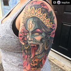 Read information on tattoos Kali Tattoo, Shiva Tattoo Design, Occult Tattoo, Kali Ma, Back Tattoos, Body Art Tattoos, Crazy Tattoos, Tatoos, Kali Goddess