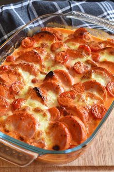Falu sausage gratin with halloumi Healthy Toddler Meals, Quick Healthy Meals, Healthy Recipes, Halloumi, Norwegian Food, Good Food, Yummy Food, Danish Food, Recipe For Mom