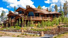 16 Astonishing Log Home Designs and Plans (Photo Slideshow) - Design My Dream Home Log Cabin Living, Log Cabin Homes, Log Cabins, Log Cabin Resort, Future House, My House, Architecture Antique, Log Home Designs, Kitchen Designs