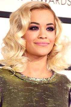 How to get Rita Ora's colorful makeup palette. Platinum Blonde, Colorful Makeup, Rita Ora, Eye Makeup, Beauty Secrets, Hair Makeup, Face Beauty, Bride Hairstyles, Makeup Contouring