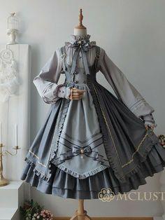 Kawaii Dress, Kawaii Clothes, Old Fashion Dresses, Fashion Outfits, Pretty Outfits, Pretty Dresses, Swaggy Outfits, Fairytale Dress, Anime Dress