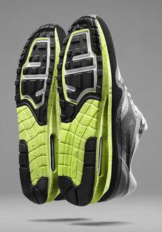 Nike Sportswear Officially Introduces the Air Max Lunar1 - EU Kicks: Sneaker Magazine