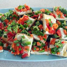Tastes best when someone who loves you, makes it for you! Crescent roll garden pizza--I make this all the time! It is YUMMY! Calzone, Great Recipes, Favorite Recipes, Healthy Recipes, Fish Recipes, Healthy Snacks, Cooking Recipes, Pesto, Salsa Marinara