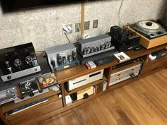 Hifi Turntable, Audiophile, Music Rooms, Audio Room, Record Players, Record Collection, Vacuum Tube, Old Tv, Entertainment Room