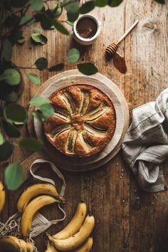 Banana Olive Oil Cake + Toffee Sauce - The Kitchen McCabe Cake Recipes, Dessert Recipes, Picnic Recipes, Baking Desserts, Cake Baking, Banana Recipes, Health Desserts, Don Pollo, Cupcake Cakes