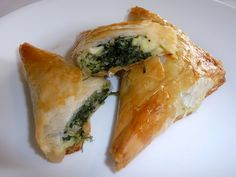 Spanikopita is one of my very favorite foods. It is a Greek (phyllo) pastry with spinach, onions, and feta cheese. This recipe looks really easy! #thirdsetisthird