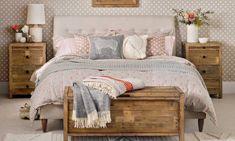 Bedding Pillow Weekend