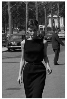 Celebrity Style - 16 by Audrey Hepburn Best Outfits - Celebrity Style - 16 Best Outfits . - Celebrity Style – 16 Audrey Hepburn Best Outfits – Celebrity Style – 16 Best Audrey Hepburn O - Audrey Hepburn Outfit, Audrey Hepburn Mode, Audrey Hepburn Fashion, Audrey Hepburn Bangs, Audrey Hepburn Charade, Audrey Hepburn Wedding Dress, Audrey Hepburn Inspired, Vintage Outfits, Vintage Dresses