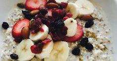Avena fría con frutos secos y frescos, ¡apunta esta saludable receta!