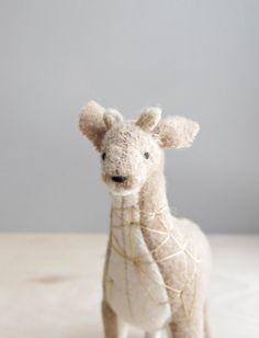 geometric giraffe / soft sculpture animal por ohalbatross en Etsy