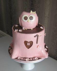 Pink Owl Cake.