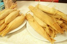 Another Tamale Recipe--Homemade Tomatillo Tamales Chicken Tamales, Tomatillo Chicken, Mexican Dishes, Mexican Food Recipes, Mexican Meals, Pork Verde, Homemade Tamales, Tamale Recipe, Looks Yummy