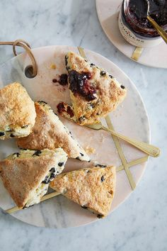 The berry best brunch starts with Saskatoon Berry scones, with a sprinkle of drool-worthy style! Dip over to our website for the recipe! Tasty, Yummy Food, Baking Recipes, Cake Decorating, Sweet Tooth, Berries, Food And Drink, Snacks, Desserts