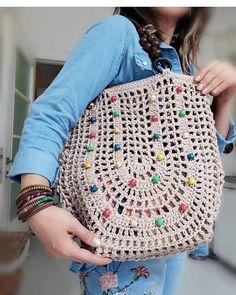 28 new Ideas for basket weaving crochet yarns Crochet Market Bag, Crochet Tote, Crochet Handbags, Crochet Purses, Love Crochet, Crochet Yarn, Crochet Flowers, Crochet Designs, Crochet Patterns