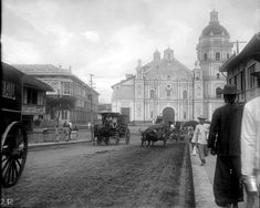An old Photo of Binondo, a district in Manila, circa early Under the backdrop of the Binondo church are horse and carabao drawn carriages Philippines Culture, Manila Philippines, Filipino Architecture, Philippine Holidays, Uk Visa, Filipino Culture, American War, Brunei, Old Photos