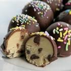 Frozen Chocolate Chip Cookie Dough Balls - they don't have raw eggs, so you can indulge a little without worrying about the bacteria :) Looks worth trying!