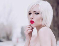 Стрижки средней длины самые распространенные среди представительниц прекрасного пола.