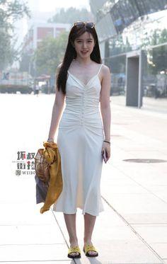 微博 Sexy Asian Girls, Beautiful Asian Girls, Japanese Fashion, Korean Fashion, Street Chic, Street Wear, Girly Outfits, Asian Woman, Asian Beauty