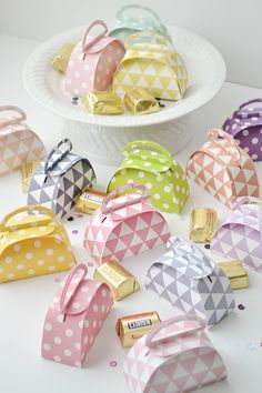 Aly Dosdall: handbag favor boxes made with the Silhouette CAMEO