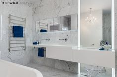 Glamour Open Bathroom Space by Minosa