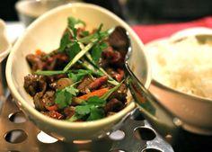 Au restaurant L'Empereur du Huê à Toulouse.