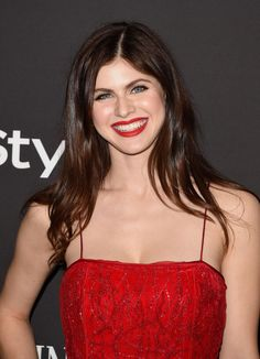 Alexandra Daddario appear on InStyle And Warner Bros Golden Globes Party - http://celebs-life.com/?p=77742