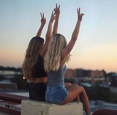 best friends, bff, hands, hands up, moments, outfit, photo, photo ...