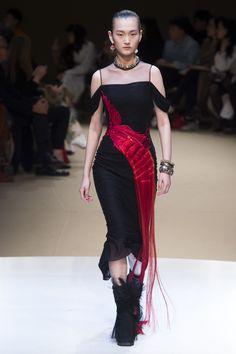Alexander McQueen Autumn/Winter 2018 Ready-To-Wear Collection