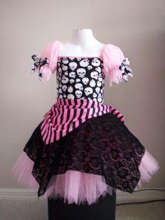 pirate tutu costume - Belle, Halloween? minus skulls, in black and red...hmmm