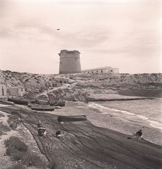 El Campello.  Playa y torre Año: 1950 (aproximado). Colección: FRANCISCO SÁNCHEZ
