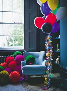 Living room | Blue | Balloons | Armchair | Party | Paper decorations | Modern | Livingetc