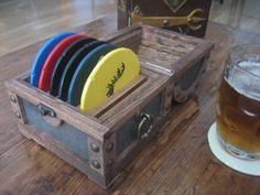 Cofre Posavasos Juego de Tronos Packaging, Diy, Ideas, Safe Room, Geek Crafts, Coasters, Game Of Thrones, Drawers, Wood