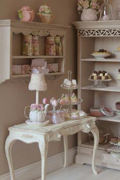 la casa di lu: The Small & Tiny Patisserie......l'interno!