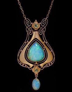 Boylerpf Antique Vintage Jewelry  Art Nouveau Necklace by Murrle Bennet & Co ca.1905 via Antique Art Nouveau Jewelry  https://scontent-b-lga.xx.fbcdn.net/hphotos-prn1/t1/q71/1554569_10152135089997719_1223455757_n.jpg