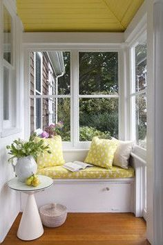 Shingle Style House, Historic Seaside Town, Rhode Island - traditional - porch - providence - by Andrew Suvalsky Designs I love the yellow, what about some bench seating in the sunroom it would make some great storage! Enclosed Porches, Small Porches, Small Sunroom, Front Porches, Small Conservatory, Conservatory Interiors, Small Bench, Outdoor Spaces, Outdoor Living