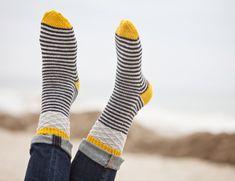Knitting Patterns Socks Ravelry: Jumping Jacks pattern by Plucky Knitter Design Crochet Socks, Knit Mittens, Knitting Socks, Hand Knitting, Knitting Designs, Knitting Projects, Knitting Patterns, Crochet Patterns, Patterned Socks