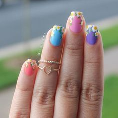 Nail Art, Nail Designs, Unique Nails, Nail It Daily Nail Polish Art, Nail Polish Designs, Fun French Manicure, French Manicures, Daisy Nails, Flower Nail Art, Art Flowers, Best Nail Art Designs, Funky Nails