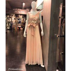 Μοναδικά σχέδια σε maxi και mini βραδινά φορέματα και σε συνδυασμούς  χρωμάτων που θα ενθουσιάσουν και την πιο απαιτητική γυναίκα πο…  15e3a549444