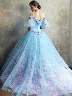 Pretty Prom Dresses, Most Beautiful Dresses, Cute Dresses, Ball Gowns Fantasy, Fantasy Dress, Royal Dresses, Ball Gown Dresses, Glamour Moda, Fairytale Gown