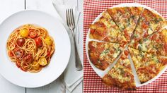 FOOD FIGHT: Pasta vs. Pizza --> which is healthier? via @Food Network's Healthy Eats
