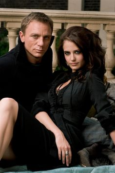 James Bond and Vesper Lynd THEY WERE SO SWEET!!!! And the award for best movie couple goes too........ xD <3 <3