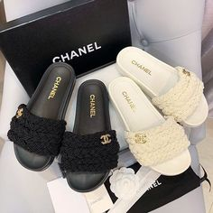 Dr Shoes, Hype Shoes, Me Too Shoes, Shoes Sandals, Shoes Sneakers, Heels, Chanel Outfit, Chanel Shoes, Chanel Slippers