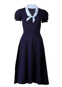 Kleid im Marine-Look von Rockabilly-Clothing - Bilder                                                                                                                                                      Mehr