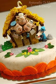 3 little pigs cake