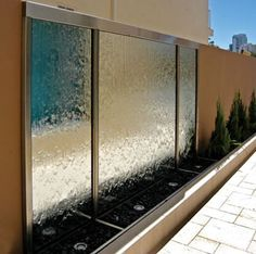 www.otto-art.ro artist, producator, perete, perdele, vitrina, tornada, zid, bule, aer, sticla, inox, plexic, deco, lumini ,leduri,