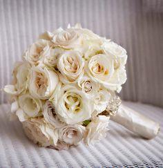 White elegance ~  Photo: Darin Fong, Floral Design: Aileen Tran   bellethemagazine.com