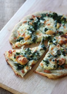 #Recipe: Roasted Garlic and Spinach White Pizza (with Optional Chicken)