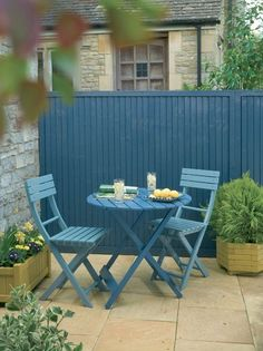 Dulux Valentine, Restaurant, Outdoor Furniture Sets, Outdoor Decor, Green Garden, Color Azul, Outdoor Living, Landscape, Outdoors