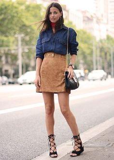 camisa chambray jeans escura com saia de suede look casual street style
