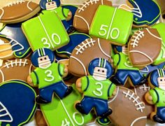 omg I'm obsessed with these.. seattle seahawks cookies   Seahawks Cookies